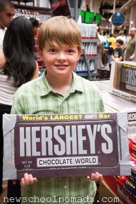Worlds Largest Chocotate Bar pA