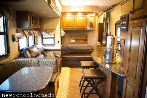 Fifth Wheel Living Room Gateway 3650bh
