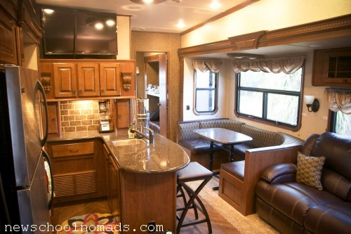 Fifthwheel 5 slide Kitchen