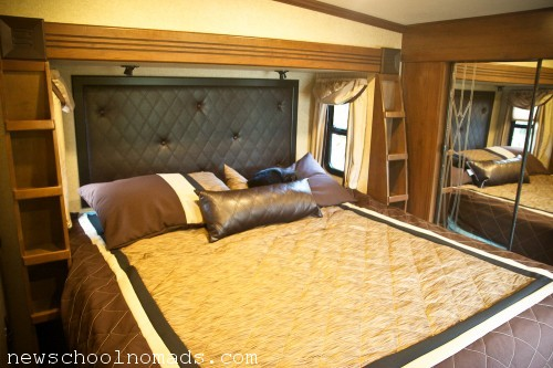 King Bed Option Fifth Wheel Heartland Gateway